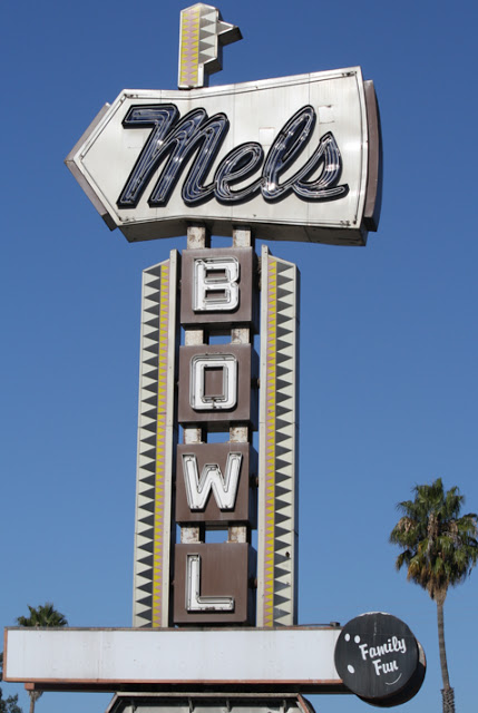 Mels Bowl @ 2580 El Camino, Redwood City, CA. (Opened:1960.  Closed: 2011)