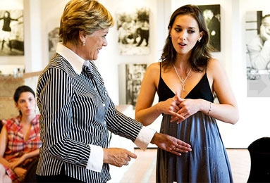 Dame Kiri advises one of her Foundation students