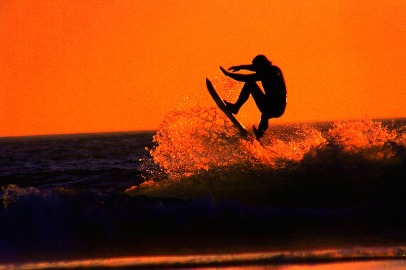 sunset-surfer