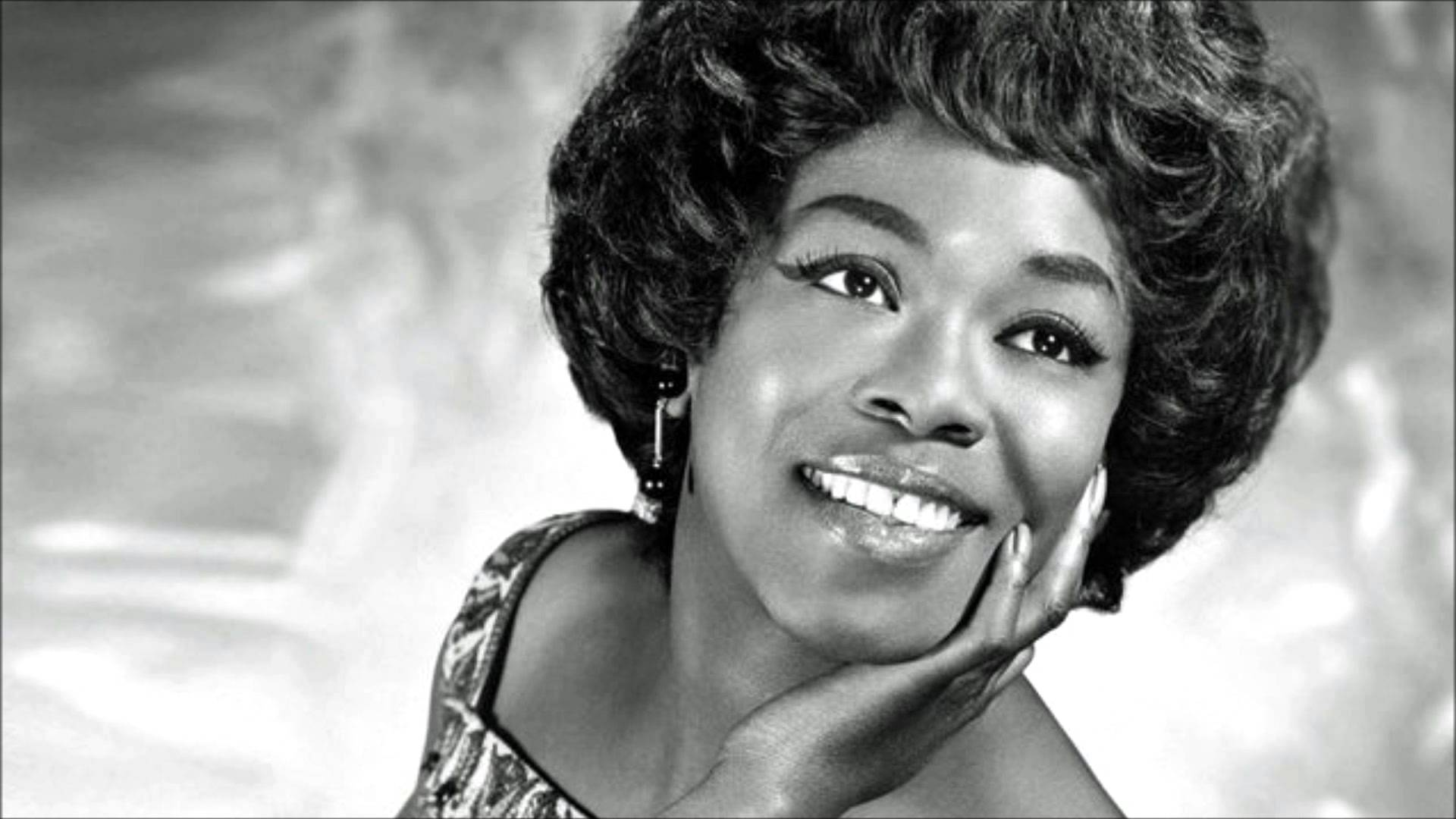Sarah Vaughan: The music carries the day…